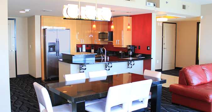 Corner Suite Kitchen and Dining area