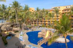 Villa del Palmar Resort