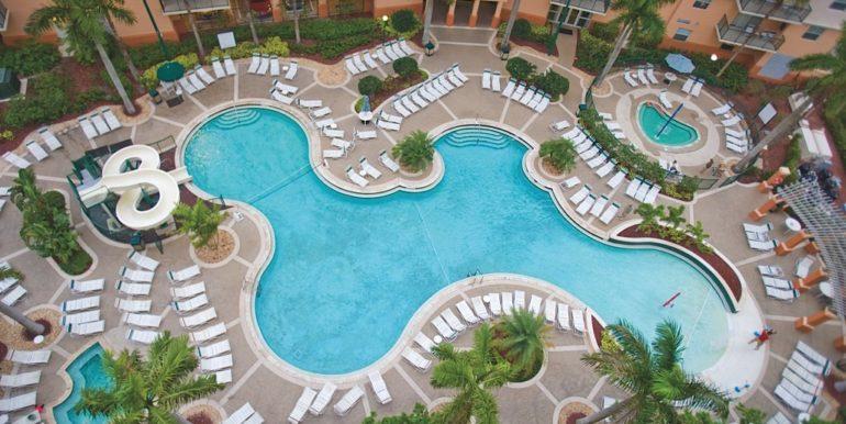 palm-aire-exterior-pool15275d